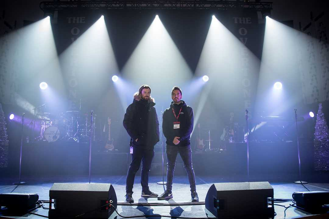 Adlib Spends Christmas With The Overtones